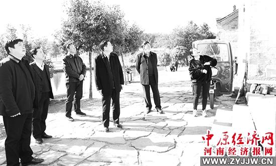 信阳市财政局调研组赴新县沙窝镇 调研脱贫攻坚及乡村振兴工作